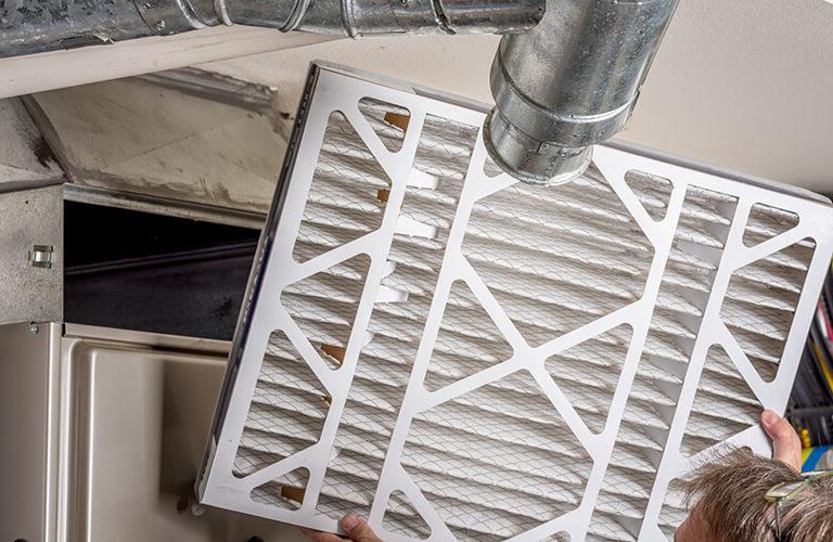 更换暖通全国最安全网赌平台空气过滤器